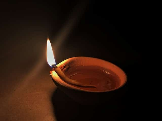 दीपक जलाने का विधान